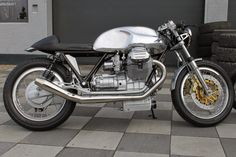 Guzzi Cafe Racer by Radicalguzzi #motorcycles #caferacer #motos | caferacerpasion.com
