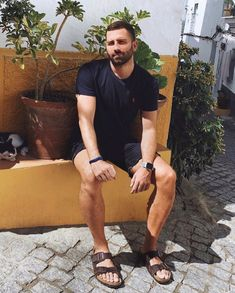 Handsome Arab Men, Scruffy Men, Mode Masculine, Strong Woman Tattoos, Mens Beach Shoes, Minimalist Street Style, Woman Sketch, Barefoot Men, Male Feet