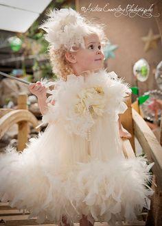 Little Miss Princess Flower Girl Dress por MelissaJaneBoutique
