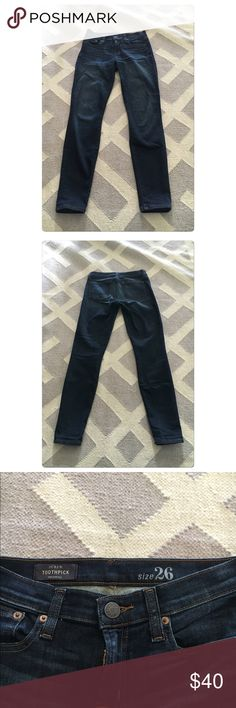J Crew dark toothpick jeans size 26 J Crew dark toothpick jeans size 26. Fabric = 89% cotton / 8% polyester / 3% spandex. These are in excellent condition, only worn a few times. J. Crew Jeans Skinny