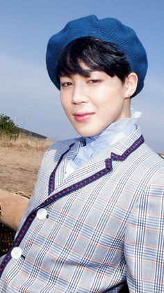 Bts Young Forever, Attractive Guys, Male Beauty, Bts Jimin, Sherlock, Screens, Wallpapers, Park, Fashion