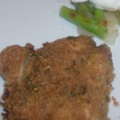 72761350201385506 Tender Italian Baked Chicken Recipe:    3/4 cup mayo; 1/2 cup parmesan cheese; 3/4 tsp garlic powder; 3/4 cup Italian seasoned bread crumbs; 4 skinless, boneless chicken breast halves.  Preheat oven 425.  Mix all but bread crumbs & chicken together. Dip chicken into mixture then bread crumbs.  Arrange coated chicken on baking sheet & bake 20 minutes in preheated oven.