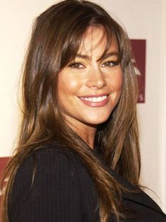Sofia Vergara Walk of Fame ceremony Outfits Casual, Mode Outfits, Sofia Vegara, Wine Hair, Long Shag Haircut, How To Style Bangs, Actrices Hollywood, Models Makeup, About Hair
