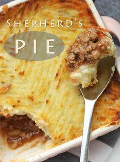 Easy Shepherds Pie Rezept - Beef Cottage Pie Easy Shepherds P . Easy Shepherds Pie Rezept - Beef Cottage Pie Easy Shepherds P . Cottage Pie Recipe Easy, Pie Recipes, Cooking Recipes, Dinner Recipes, Cooking Time, Yummy Recipes, Breakfast Recipes, Shepherds Pie Rezept, Beef Pies