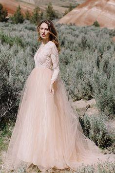 Blush wedding dress. Elizabeth Dye 2016 wedding dress collection @weddingchicks