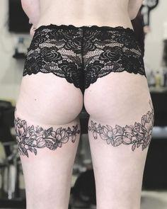 🍑 2 days working!! Merci Juliette pour ta resistance de chochotte 😂😂🙄 Done at @watchmytattoo . . . . . . #tattoo #tattooed #ink #inked…