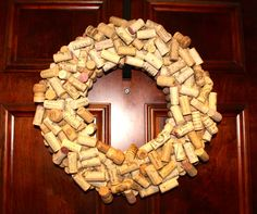 Wine Cork Wreath | DIY Oh yeah......I want to make this. Wonder if I can drink enough wine before Christmas :)