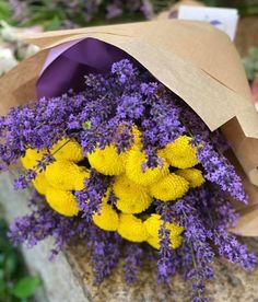 #lavandula #lavender #lavanda #craspedia Tableware, Beauty, Dinnerware, Tablewares, Dishes, Place Settings