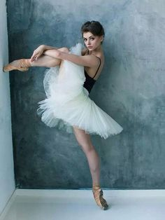 Oksana Bondareva ❤❦♪♫ portrait photography dancer ballet ballerina