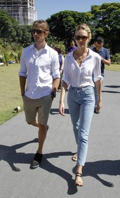 Candice Swanepoel and Hermann Nicolirecently in São Paulo visiting the headquarters of an apartment building being built in the neighborhood of Brooklin.