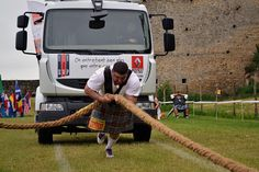 Truck-of-war (Bressuire Highland games - France).