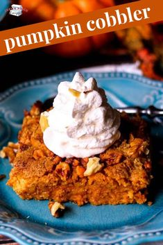This pumpkin cobbler recipe is super easy to make and a delicious fall dessert. It's also a great substitute for pumpkin pie during the holidays. Easy Thanksgiving Recipes, Fall Dessert Recipes, Fall Desserts, Easy Dinner Recipes, Pumpkin Cobbler Recipe, Fruit Crisp Recipe, Carpe Diem, Schuster, Pumpkin Dessert
