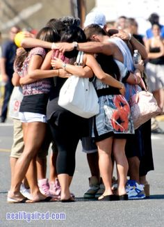 The Jersey Shore gang wraps filming Season 6, has a group hug before departing likely for the final time. Going to miss it so much!