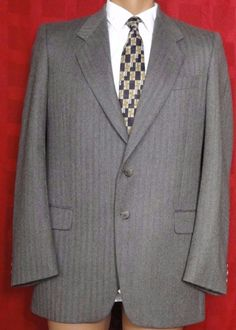 Conte Di Roma Brown Herring Bone Tweed Wool Suit Size 42R  Pants 34W x 31L #ConteDiRoma #TwoButton