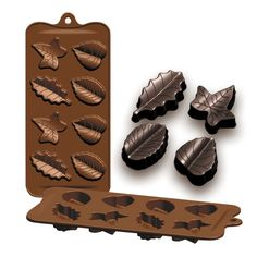 "Silicone Chocolate Mold ""Hojas"" - IBILI - x 21 cm Silicone mold for chocolate, fondant and caramel. Silicone Chocolate Molds, Silicone Molds, Chocolates, Fondant, Caramel, Robot, Kitchen, Shape, Model"
