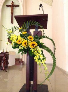 Flowers arrangements for church pulpit ideas for 2019 Grave Flowers, Altar Flowers, Church Flowers, Funeral Flowers, Tropical Flower Arrangements, Church Flower Arrangements, Beautiful Flower Arrangements, Beautiful Flowers, Tropical Flowers