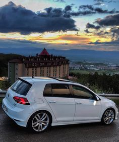 Golf Tips Hybrid Swing Vw Golf R Mk7, Volkswagen Jetta, Golf Gtd, Vans Vw, Lease Specials, Gti Mk7, Golf Tips Driving, Porsche 356, Classy Cars