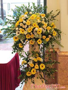 Funeral Floral Arrangements, Church Flower Arrangements, Flower Art, Tulips, Floral Wreath, Lily, Wreaths, Flowers, Sketch