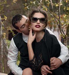 Si respira sempre più un'aria artistica in questa primavera/estate 2014 dove i veri protagonisti sono gli occhiali da sole. Non più un semplice accessorio ma delle vere e proprie opere d'arte. Visi valorizzati da occhiali luminosi, dalle forme geometriche più disparate, come la montatura a farfalla di Dsquared o una dalle forme più tondeggianti come quella di DiorSoReal.. http://blog.anitalianbrand.com/2014/05/gli-occhiali-sole-sposano-larte/
