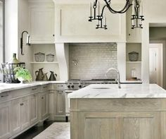 Ideas for faux painting kitchen surfaces: decorative techniques for creating unique paint finishes on the walls, floors, ceiliongs, cabinets and countertops. Kitchen Colors, Kitchen Design, Kitchen Decor, Kitchen Ideas, Cabinets And Countertops, Oak Kitchen Cabinets, Whitewash Cabinets, Victorian Bedroom Furniture, Faux Wood Paint