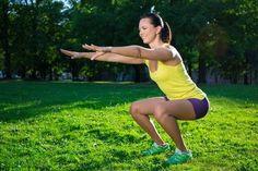 Manche Übungen haben viel mehr Vorteile, als man sich vorstellen könnte. Dazu gehören auch die Kniebeugen.