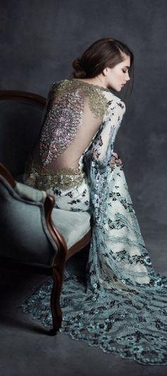 платья с вышивкой из бисера