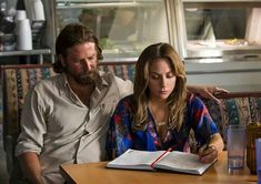 Blue Floral Blouse worn by Ally (Lady Gaga) as seen in A Star Is Born Bradley Cooper, Lady Gaga, Toronto Film Festival, A Star Is Born, Film Serie, Hollywood Stars, Beautiful Celebrities, New Movies, 2018 Movies