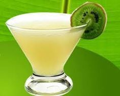 Kiwi Margarita - Blend to serve in chilled glass: cup superfine sugar cup gold tequila cup triple sec 2 large kiwis, peeled 1 cup fresh lime juice 2 cups small ice cubes Margarita Cocktail, Cocktail Drinks, Cocktails, Tacos And Tequila, Tequila Drinks, Juice Smoothie, Juice 2, Triple Sec, Fresh Lime Juice