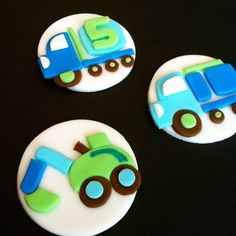 Construction Truck Fondant Cupcake Toppers - so cute Truck Cupcakes, Cupcakes For Boys, Fun Cupcakes, Cupcake Party, Cupcake Cookies, Cakepops, Fondant Tips, Fondant Cupcake Toppers, Beautiful Cupcakes