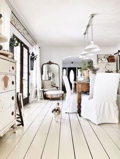 RV Flooring Ideas - Flooring is the foundation of your interior design. Therefore, when you remodel your RV interior, you can't leave the flooring. Country Farmhouse Decor, Farmhouse Style, Cottage Farmhouse, White Cottage, Cottage House, Farmhouse Design, Country Style, Farmhouse Flush Mount Light, Painted Wood Floors