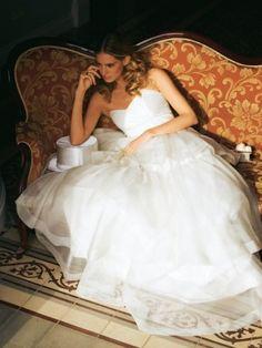 Strapless Wedding Gown 3/20110#101B