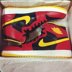 online retailer c4f39 0b5d3 Original Air Jordan 1 High Black Gym Red University Gold 555088-017