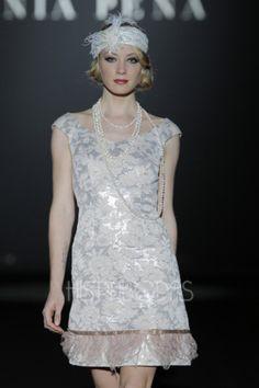 Vestido de fiesta corto modelo 11140034 by Sonia Peña | Boutique Clara. Tu tienda de vestidos de fiesta.