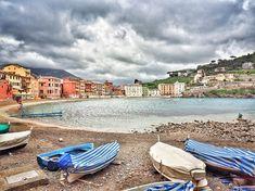 "Elena sanoo Instagramissa: ""#sestrilevante #liguria #italy #ig_liguria_ #tv_living #hdr_addiction #kings_transports #atuttacosta #sea #beach #genova #travel #panorama…"" Sestri Levante, Hdr, Addiction, Italy, Beach, Travel, Instagram, Italia, Viajes"