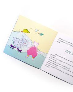 Le livre raconte la rencontre entre doudou et la lune.  Pendant que l'enfant dort, doudou est invité au pays imaginaire.  Là bas, il rencontre des personnages fantastiques, des arbres qui parlent, des feuilles-oiseaux, la famille noisette...  Et la lunequi chasse les cauchemars avec son souffle magique 💛