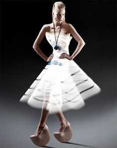 Stunning Photographs Of Models Clothed In Gorgeous Dresses Made Of Light - Atton Conrad Foto Fashion, Fashion Art, Trendy Fashion, Dress Fashion, Crazy Fashion, Unusual Dresses, Nice Dresses, Awesome Dresses, Light Painting Photography