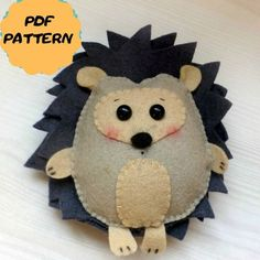 This PDF felt pattern is a tutorial with photos, text and full size pattern pieces (no need to enlarge or resize). You don't need a sewing machine, it's completely hand sewn. Ornament Pattern, Ornament Template, Felt Animal Patterns, Stuffed Animal Patterns, Softies, Baby Toys, Baby Baby, Fox Ornaments, Baby Stuffed Animals