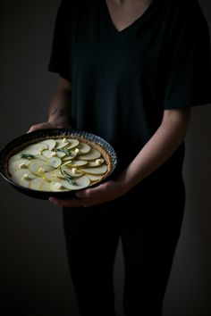 _our food stories_: glutenfree pear-tart with rosemary and honey