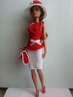 vêtement poupée mannequin Barbie (281)