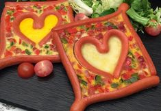 Omelette do amor - Essen Omelettes, Quiches, Food Art For Kids, Food Humor, Party Snacks, Meals For The Week, Cute Food, Sauce, Creative Food