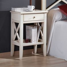 Прикроватная тумба из дерева Decor, Furniture, Room, Creative Interior Design, Interior, Classic Bedside Tables, Home Decor, Room Inspo, Interior Design