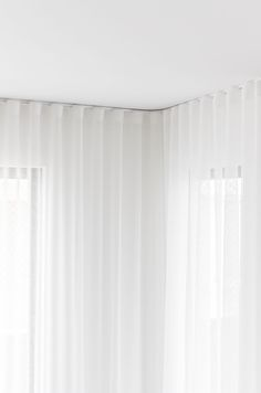 Creating a Designer Look with Sheer Curtains - Zephyr + Stone Manufactured to Measure curtains can b Sheer Curtains Bedroom, White Sheer Curtains, Home Curtains, Curtains Living, Curtains With Blinds, Sheer Blinds, Ceiling Curtains, Velvet Drapes, Cortina Wave