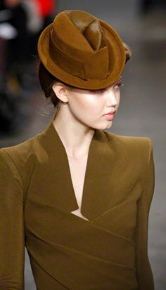 Donna Karan 2013. Wish I could wear hats without looking like a dork!
