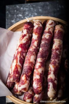 Chinese Sausage ● There are two types of flavors, spicy mala sausages and sweet Chinese sausage (lop Cheung). Homemade Sausage Recipes, Meat Recipes, Asian Recipes, Cooking Recipes, Pork Sausage Recipes, Oven Recipes, Vegetarian Cooking, Easy Cooking, Home Made Sausage