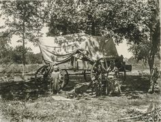 32 Rare Photographs That Show Everyday Life of Texas Before 1900 ~ vintage everyday Greenville Texas, Pioneer Life, Pioneer Women, Eyes Of Texas, Old Wagons, Covered Wagon, American Frontier, Texas History, American Spirit