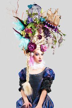 Amazing headdress~~