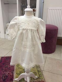 Özelgün elbisemiz www.medekids.com.tr medekids#handmade#elişi#elemeği#mevlid#vaftiz#özelgünelbisesi#0/3ay#dress#babytrent#kişiyeözel#tasarım#dantel#babyshower