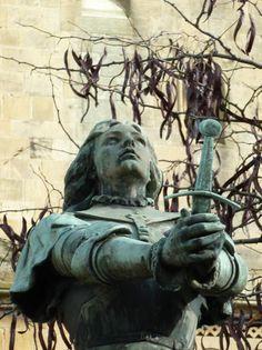 Statue de Jeanne d'Arc – Place Jeanne d'Arc – Montigny-lès-Metz Joan D Arc, St Joan, Jeanne D'arc, Women In History, Art History, Arc France, Eleanor Of Aquitaine, Catholic Saints, Statue