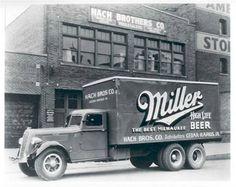 Miller Beer Delivery Truck. ♪•♪♫♫♫ JpM ENTERTAINMENT ♫♫♪•♪♫