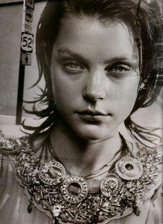 Peter Lindbergh, Jessica Stam, 2004